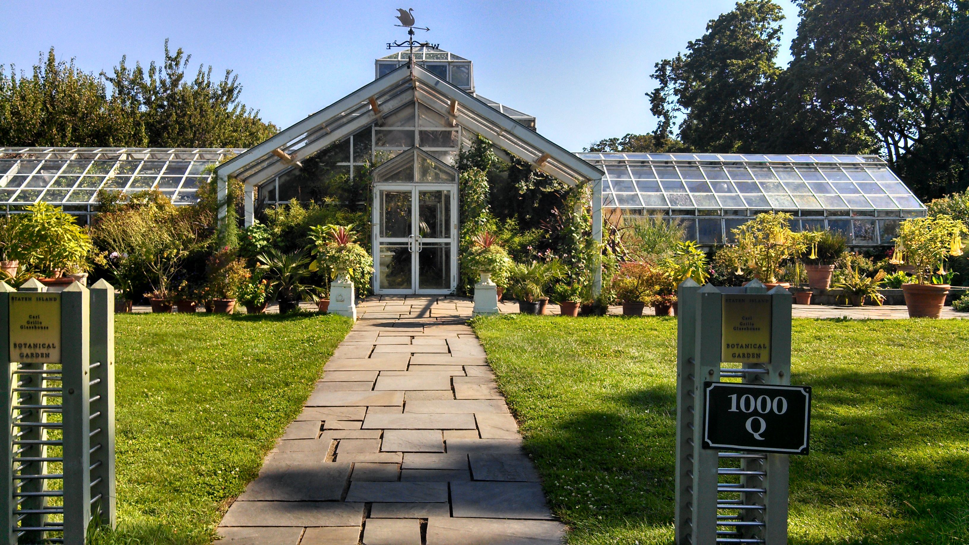 the carl grillo glass house photo by veronica hackethal - Staten Island Botanical Garden